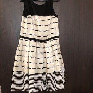 Dresses & Skirts - Taylor Dress